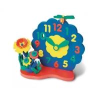 Часы с цветами45315Игрушка Часы-конструктор знакомит ребенка со взрослым миром окружающих его предметов. Она обучит простому счету, поможет расширить воображение, развить логическое мышление и пространственное восприятие в процессе конструирования из отдельных деталей объемных сюжетов. Эта игрушка послужит наглядным учебным пособием, т.к. ее конструктивная особенность дает ребенку самому передвигать стрелки и учиться определять время. Конструкторы серии Флексика изготовлены из экологически чистого, мягкого полимерного материала.
