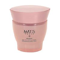 Увлажняющий крем Matis для чувствительной кожи, 50 мл36383Увлажняющий крем, в основе которого - уникальная формула из тщательно отобранных активных компонентов, способствующих глубокому увлажнению и смягчению чувствительной кожи. Клетки кожи постепенно поглощают воду, насыщаются влагой, тем самым сохраняют прекрасный внешний вид лица. Увлажняющий крем на длительное время увлажняет, смягчает и успокаивает чувствительную кожу. Мягкий крем, нежно окутывающий лицо. Восстановленная и смягченная кожа приобретает естественный уровень увлажнения. Шелковистая текстура с приятным ароматом дарит коже комфорт и возвращает ей яркость. Активные компоненты: Регулятор водного баланса - нормализует уровень увлажнения. Восстанавливает баланс увлажняющих компонентов, ограничивает потерю кожей влаги, визуально улучшает внешний вид кожи. Комплекс церамидов - концентрация липидов, способствующая восстановлению кожи и активизации ее защитных свойств. Фукогель - создает защитную пленку на поверхности кожи,...
