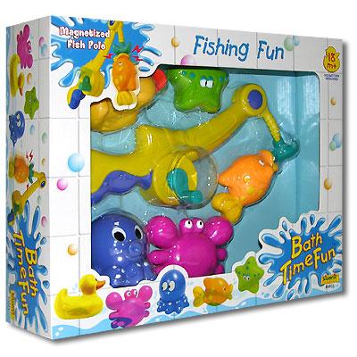 Игровой набор Юный рыбак86071Веселый, разноцветный набор для водных игр Юный рыбак содержит удочку с желтым удилищем и магнитным голубым крючком, а в качестве улова: синего осьминога, зеленую морскую звезду, оранжевую рыбку, розового крабика и желтого утенка. Во все игрушки встроены магнитики. Для ловли нужно забросить удочку, и на крючок намагнитится одна из игрушек. Такая веселая рыбалка обязательно понравится Вашему малышу! Различные формы деталей игрушки помогают восприятию и запоминанию геометрических фигур, а также развитию мелкой моторики рук. Яркие цвета игрушки способствуют развитию цветовосприятия малыша.