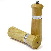 Набор солонка и мельница для специй Amadeus 14AR-200214AR-2002Набор состоит из солонки и мельницы для перца, изготовленных из высококачественной древесины и нержавеющей стали. Предметы набора обладают большой прочностью и высокой плотностью, легко моются, не впитывают запахи и обладают водоотталкивающими свойствами, при длительном использовании не деформируются. Изящный и современный дизайн. Благодаря компактным размерам, мельница и солонка органично впишутся в интерьер любой кухни и не займут много места. Порадуйте себя и своих близких!