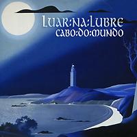 Издание содержит буклет с фотографиями, текстами песен и дополнительной информацией на французском языке.