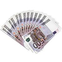Забавная Пачка денег 500 евро89451Эта забавная пачка с купюрами-дублерами достоинством в 500 евро не поможет вам купить автомобиль или доплатить недостающую часть денег при покупке квартиры, но непременно позволит разыграть приятелей или, молниеносно махнув веером купюр, поразить всех своей состоятельностью. Пачка купюр перетянута бумажной лентой и в целом выглядит очень солидно. Только не перепутайте с настоящими!