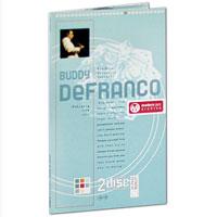 Издание содержит буклет с черно-белыми фотографиями и дополнительной информацией на английском языке.