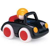 Спортивная машина Малыш88160Спортивная машина Малыш изготовлена из прочного безопасного пластика. Яркие цвета привлекут внимание малыша. Мягкие колеса, подвижные детали игрушки, плавные формы без острых углов, яркие цвета - все это выгодно выделяет эту игрушку из ряда подобных. Не стоит опасаться, если ребенок решит погрызть игрушку, прочный материал не отколется, а отсутствие острых углов не поранит малыша. Игрушка развивает концентрацию внимания, координацию, цветовое восприятие, воображение.
