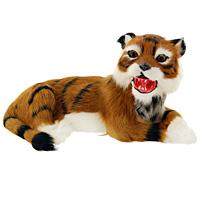 Тигр лежащий. T2021k-CT2021k-CТигр - самый крупный зверь из семейства кошачьих и один из крупнейших хищников. Лежащий тигр дополнит интерьер вашей комнаты и послужит отличным подарком. Пластиковая фигурка обтянута натуральным мехом. Мех обработан специальным раствором, который предотвращает появление в мехе моли и служит прекрасным антиаллергенным средством.