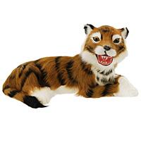 Тигр лежащий. T2021k-OT2021k-OТигр - самый крупный зверь из семейства кошачьих и один из крупнейших хищников. Лежащий тигр дополнит интерьер вашей комнаты и послужит отличным подарком. Пластиковая фигурка обтянута натуральным мехом. Мех обработан специальным раствором, который предотвращает появление в мехе моли и служит прекрасным антиаллергенным средством.