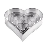 Набор формочек для выпечки Сердце, 6 шт. 631362631362Формочки в виде сердца идеально подойдут для вырезания теста при выпечке печенья. Формы изготовлены из прочного материала. Характеристики: Материал: металл. Размер: 2,5 см; 3,5 см; 5 см; 6,3 см; 7,5 см; 9 см. Комплектация: 6 шт. Производитель: Чехия. Артикул: 631362.