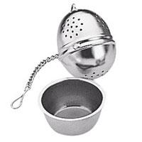 Заварник для чая Яйцо с блюдцем. 420672420672Заварник для чая Яйцо идеально подойдет для разового приготовления чайной заварки. Он выполнен из первоклассной нержавеющей стали. В комплекте прилагается стальное блюдце, в размер заварника, которое позволит поддержать чистоту на вашем столе, собрав капли заварки.