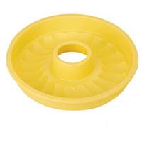 Форма для выпечки кекса Tescoma Delicia Silicone, круглая, цвет: желтый, диаметр 26 см. 629228629228Круглая форма Tescoma Delicia Silicone будет отличным выбором для всех любителей выпечки. Благодаря тому, что форма изготовлена из силикона, готовую выпечку вынимать легко и просто. Дно формы оснащено рельефной поверхностью. Форма прекрасно подходит для выпечки кексов. С такой формой вы всегда сможете порадовать своих близких оригинальной выпечкой. Материал изделия устойчив к фруктовым кислотам, может быть использован в духовках, микроволновых печах, холодильниках и морозильных камерах (выдерживает температуру от -40°C до 230°C). Антипригарные свойства материала позволяют готовить без использования масла. Можно мыть и сушить в посудомоечной машине. При работе с формой используйте кухонный инструмент из силикона - кисти, лопатки, скребки. Не ставьте форму на электрическую конфорку. Не разрезайте выпечку прямо в форме.