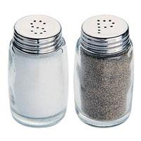 Набор Tescoma Classic: солонка и перечница. 654010654010Набор Tescoma, состоящий из солонки и перечницы, изготовлен из первоклассной нержавеющей стали и стекла. Солонка и перечница легки в использовании: стоит только перевернуть емкости, и вы с легкостью сможете поперчить или добавить соль по вкусу в любое блюдо. Дизайн, эстетичность и функциональность набора позволят ему стать достойным дополнением к кухонному инвентарю. Характеристики: Материал: стекло, нержавеющая сталь. Высота емкости: 7 см. Диаметр основания: 4 см. Размер упаковки: 8,5 см х 4,5 см х 8 см. Производитель: Чехия. Артикул: 654010.