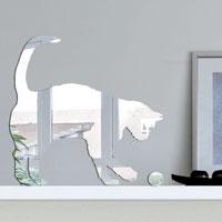 Декоративное зеркало Paristic Кот-3ПР01003Добавьте оригинальность вашему интерьеру с помощью необычного фигурного зеркала. Необыкновенный всплеск эмоций в дизайнерском решении создаст утонченную и изысканную атмосферу не только спальни, гостиной или детской комнаты, но и даже офиса. Зеркало выполнено из гибкого органического стекла - более легкого и прочного материала по сравнению с обычным стеклом. Такое зеркало более устойчиво к повреждениям и обеспечивает максимальный визуальный эффект. Сегодня фигурные зеркала пользуются большой популярностью среди декораторов по всему миру, а на российском рынке товаров для декорирования интерьеров - являются новинкой. Замысловатые узоры и самые обычные фигуры - в зеркальном воплощении создают непредсказуемые отражающие эффекты. В коллекции Paristic - авторские работы от урбанистических зарисовок и узнаваемых парижских мотивов до природных и графических объектов. Идеи французских дизайнеров украсят любой интерьер. Paristic - это простой и оригинальный...