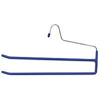 Вешалка для брюк Metaltex, двойная цвет: синий55.21.06Вешалка для брюк представляет собой две перекладины, располагающиеся друг над другом. Каждая из перекладин имеет специальное покрытие, предотвращающее скольжение ткани. Вешалка - это незаменимая вещь для того, чтобы ваша одежда всегда оставалась в хорошем состоянии.