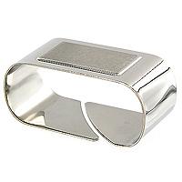 Кольцо для салфеток Cosmos61217/060-TRКольцо для салфеток Cosmos, выполненное из нержавеющей стали, позволит Вам оригинально и торжественно украсить застолье в кругу семьи или сделать незабываемым романтический ужин. Характеристики: Материал: нержавеющая сталь. Размер: 5,5 см х 2,5 см х 3 см. Размер упаковки: 8,5 см х 6,5 см х 3 см. Изготовитель: Бразилия. Артикул: 61217/060-TR.