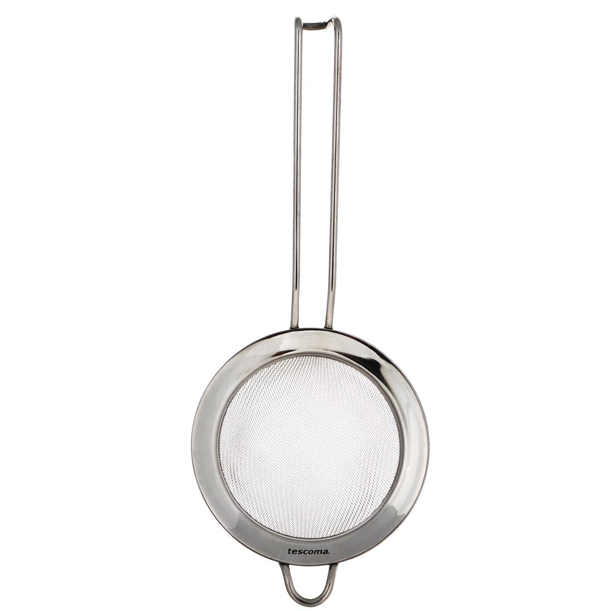 Сито Tescoma Chef, диаметр 10 см428044Сито Tescoma Chef, выполненное из высококачественной нержавеющей стали, станет незаменимым аксессуаром на вашей кухне. Удобная ручка-пруток не позволит выскользнуть изделию из вашей руки. Прочная стальная сетка и корпус обеспечивают изделию износостойкость и долговечность. Сито оснащено специальным ушком, за которое его можно подвесить в любом месте. Такое сито поможет вам процедить или просеять продукты и станет достойным дополнением к кухонному инвентарю. Можно мыть в посудомоечной машине.
