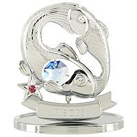 Сувенир Знаки зодиака: Рыбы, цвет: серебристый, 7,5 смU0268-001-CBLBДекоративное изделие, выполненное в виде знака зодиака Рыбы, с голубым кристаллом Swarovski посередине, а также с розовым и двумя бесцветным кристаллами, изготовлено из высококачественной стали. Оригинальный сувенир будет отличным подарком для ваших друзей и коллег. Более 30 лет компания Crystocraft создает качественные, красивые и изящные сувениры, декорированные различными кристаллами Swarovski. Характеристики: Материал: сталь, кристаллы Swarovski. Высота: 7,5 см. Размер упаковки: 9,5 см х 11 см х 4,5 см. Артикул: U0268-001-CBLB. Производитель: Китай.