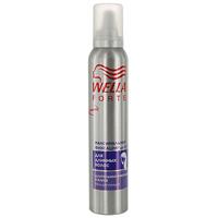 Пена для укладки длинных волос Wella Forte, максимальная фиксация, 200 млWF-81155212Пена для укладки волос Wella Forte максимальной фиксации придает длительную фиксацию в течение дня. Идеально подходит для длинных волос. Обеспечивает контроль над непослушными волосами и придает блеск. Помогает защитить волосы от действия УФ-лучей. Характеристики: Объем: 200 мл. Производитель: Франция. Товар сертифицирован.