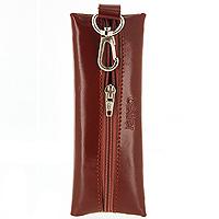 Ключница Befler, цвет: светло-коричневый. KL.8.-1KL.8.-1.cognacКомпактная ключница Befler светло-коричневого цвета - стильная вещь для хранения ключей. Ключница, закрывающаяся на застежку-молнию, выполнена из натуральной кожи высокого качества с естественной лицевой поверхностью. Внутри ключницы расположено металлическое кольцо для ключей и дополнительный наружный карабин для крепления. Характеристики: Цвет: светло-коричневый. Размер (без карабина): 14 см x 5 см x 1 см. Размер упаковки: 14 см x 7,5 см x 2 см. Материал: натуральная кожа. Производитель: Россия. Артикул: KL.8.-1.cognac.