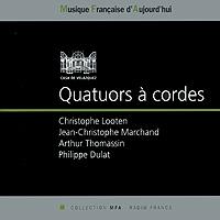 Издание содержит 20-страничный буклет с дополнительной информацией на английском и французском языках.
