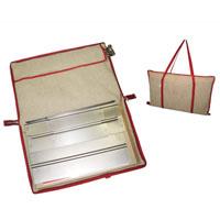 Сумка Eva для мангалаК24Сумка Eva предназначена для переноски и хранения мангала. Также в сумке имеется отделение для хранения шампуров. Изготовлена сумка из натурального хлопка и льна. Сумка сделает необычайно удобным хранение и транспортировку вашего мангала! Характеристики: Материал: хлопок, лен, текстиль, металл. Размер сумки: 38 см х 62 см. Артикул: К24.