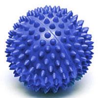 Мяч массажный Larsen, цвет: синий, 7 см. SM-2233077Игольчатая поверхность благотворно воздействует на нервные окончания и способствует улучшению кровообращения. Идеален для массажа и самомассажа детей и взрослых, для профилактики целлюлита. Подходит для занятий фитнесом и йогой.