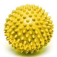 Мяч массажный Larsen, цвет: желтый, 7 см. SM-4233079Игольчатая поверхность благотворно воздействует на нервные окончания и способствует улучшению кровообращения. Идеален для массажа и самомассажа детей и взрослых, для профилактики целлюлита. Подходит для занятий фитнесом и йогой.