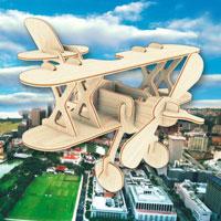 Сборная деревянная модель АэропланП002Сборная деревянная модель Аэроплан позволит Вам и Вашему ребенку собрать объемную деревянную конструкцию в виде аэроплана. Модель для сборки развивает мелкую моторику, ителлектуальные способности, воображение и конструктивное мышление, тренирует терпение и усидчивость.