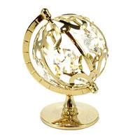 Миниатюра Глобус, цвет: золотистый, 7 см67092Миниатюра Глобус, золотистого цвета, станет необычным аксессуаром для Вашего интерьера и создаст незабываемую атмосферу. Кристаллы, украшающие сувенир, носят громкое имя Swarovski - ограненные, как бриллианты, кристаллы блистают сотнями тысяч различных оттенков. Эта очаровательная вещь послужит отличным подарком близкому человеку, родственнику или другу, а также подарит приятные мгновения и окунет Вас в лучшие воспоминания.