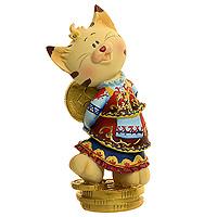 Декоративная фигурка Кошка. 2062420624Декоративная фигурка, выполненная в виде кошки в национальном платье и с монетками в лапах, будет вас радовать и достойно украсит интерьер. Вы можете поставить фигурку в любом месте, где она будет удачно смотреться, и радовать глаз. Все хотят, чтобы следующий год стал удачным. Значит, подарок должен приносить эту удачу и оберегать от опасностей. Поэтому данная фигурка - самый оптимальный подарок, ведь ее можно преподнести другу, знакомому, коллеге. Характеристики: Материал: пластик. Размер фигурки: 6 см х 15 см х 5 см. Изготовитель: Китай. Артикул: 20624.