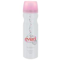 Evian Спрей для лица, натуральная минеральная вода, 50 мл21480Спрей для лица Evian на основе натуральной минеральной воды увлажняет, тонизирует и освежает кожу лица. При ежедневном применении спрея Evian содержание влаги в коже повышается на 14%. Кожа лица приобретает красоту и свежесть, дольше держится макияж. Вода имеет нейтральный ph и сбалансированный минеральный состав, поэтому подходит для всех типов кожи. Этот природный, абсолютно натуральный продукт подходит всем: Женщины увлажняют им кожу и освежают макияж (его так же лучше использовать в комплексе с увлажняющим кремом). Мужчины используют его после бритья для смягчения кожи и после долгих часов за рулем как тонизирующее средство для кожи лица. Детям необходим для ухода за их нежной детской кожей, он как нельзя лучше очищает и ухаживает. Спрей Evian можно использовать для охлаждения ран, против ожогов. Товар сертифицирован.