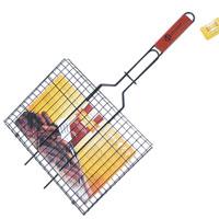 Решетка-гриль Искра для мяса, с антипригарным покрытием, 35 x 28 смRDG-40DAРешетка Искра предназначена для приготовления пищи на углях, в том числе мяса. Изготовлена из высококачественной стали с пищевым никелированным покрытием. Идеально подходит для мангалов и барбекю. Решетка имеет широкое фиксирующее кольцо на ручке, что обеспечивает надежную фиксацию. Специальная деревянная ручка предохраняет руки от ожогов, а также удобна для обхвата двумя руками, что позволяет легко переворачивать решетку. Характеристики: Материал: сталь, дерево. Размер решетки: 35 см x 28 см. Высота решетки: 1,5 см. Длина ручки: 32 см. Артикул: RDG-40DA. Производитель: Россия. Изготовитель: Китай.