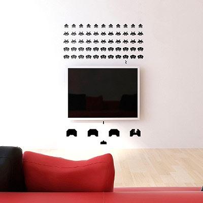 Стикер Paristic Space invaders, 55 х 64 см33738Добавьте оригинальность вашему интерьеру с помощью необычного стикера Space Invaders. Изображение на стикере выполнено по мотивам культовой стрелялки для игровых автоматов Space Invaders. Все поклонникам этой игры стикер придется по вкусу. Необыкновенный всплеск эмоций в дизайнерском решении создаст утонченную и изысканную атмосферу не только спальни, гостиной или детской комнаты, но и даже офиса. Стикер выполнен из матового винила - тонкого эластичного материала, который хорошо прилегает к любым гладким и чистым поверхностям, легко моется и держится до семи лет, не оставляя следов. В комплекте прилагается ракель, с помощью которого вы без труда наклеите стикер на выбранную поверхность. Сегодня виниловые наклейки пользуются большой популярностью среди декораторов по всему миру, а на российском рынке товаров для декорирования интерьеров - являются новинкой. Paristic - это стикеры высокого качества. Художественно выполненные стикеры,...