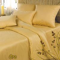 Комплект белья Oro (Дуэт КПБ, сатин, 4 наволочки 50х70, 70х70)Ch-З-143-240-70-50Комплект постельного белья Oro, изготовленный из сатина, поможет вам расслабиться и подарит спокойный сон. Постельное белье имеет изысканный внешний вид и обладает яркостью и сочностью цвета. Комплект состоит из двух пододеяльников, простыни и четырех наволочек. Благодаря такому комплекту постельного белья вы сможете создать атмосферу уюта и комфорта в вашей спальне. Сатин производится из высших сортов хлопка, а своим блеском, легкостью и на ощупь напоминает шелк. Такая ткань рассчитана на 200 стирок и более. Постельное белье из сатина превращает жаркие летние ночи в прохладные и освежающие, а холодные зимние - в теплые и согревающие. Благодаря натуральному хлопку, комплект постельного белья из сатина приобретает способность пропускать воздух, давая возможность телу дышать. Одно из преимуществ материала в том, что он практически не мнется и ваша спальня всегда будет аккуратной и нарядной. Страна: Россия. Материал: 100% хлопок. В комплект входят: ...