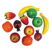 Игровой набор Фрукты и ягоды, 12 предметовТ80317Игровой набор Фрукты и ягоды состоит из муляжей различных фруктов и ягод: бананов, яблок, грант, клубники и мандаринов. Такой набор станет незаменимым дополнением к кухне вашей маленькой хозяйки, ведь с ним она сможет вкусно накормить всех своих кукол. Игра с набором познакомит с различными фруктами и разовьет фантазию.