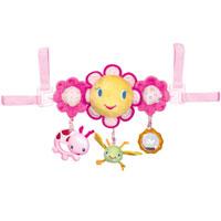 Bright Starts игрушка для коляски Цветок-солнышко8676Яркая игрушка для коляски Цветок-солнышко, несомненно, понравится малышу и не позволит ему заскучать во время прогулки. Игрушка выполнена в виде веселого цветочка-солнышка, с прикрепленной к нему стрекозой. По обе стороны от цветочка-солнышка расположены два розовых цветочка меньшего диаметра, к одному прикреплен прозрачный шарик, внутри которого находятся, гремящие при тряске, маленькие цветные шарики, а ко второму очаровательная букашка с удобным держателем для пальчиков малыша. Веселый цветок-солнышко проигрывает шесть мелодий, при этом его щечки светятся красными огоньками. Для того чтобы мелодия начала играть, нужно просто потянуть за стрекозу с шуршащими крылышками. Игрушка надежно закрепляется на коляске при помощи двух текстильных петель на липучках. Игрушка для коляски Цветок-солнышко способствует развитию мелкой моторики рук, слухового и цветового восприятия. Характеристики: Материал: пластик, текстиль. Диаметр цветочков: 8 см. Диаметр...