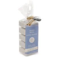 Растительное мыло Амбра, 5х30 гSA530ARНатуральное мыло Амбра на 40% состоит из оливкового масла, а также содержит комплекс ингредиентов, которые защищают кожу. Благодаря особой формуле в мыле сохраняется большое количество оливкового масла первого отжима при минимальном количестве консервантов. Не содержит искусственных красителей и обладает ароматом амбры.