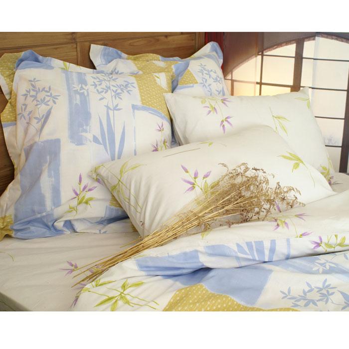 Комплект белья Апрель (1,5 спальный КПБ, сатин, наволочки 70х70)Т-1658-02-1659-02_1,5-спальныйКомплект постельного белья Апрель, изготовленный из сатина, поможет вам расслабиться и подарит спокойный сон. Постельное белье имеет изысканный внешний вид и обладает яркостью и сочностью цвета. Комплект состоит из пододеяльника, простыни и двух наволочек. Все предметы комплекта цельнокроеные. Благодаря такому комплекту постельного белья вы сможете создать атмосферу уюта и комфорта в вашей спальне. Сатин производится из высших сортов хлопка, а своим блеском, легкостью и на ощупь напоминает шелк. Такая ткань рассчитана на 200 стирок и более. Постельное белье из сатина превращает жаркие летние ночи в прохладные и освежающие, а холодные зимние - в теплые и согревающие. Благодаря натуральному хлопку, комплект постельного белья из сатина приобретает способность пропускать воздух, давая возможность телу дышать. Одно из преимуществ материала в том, что он практически не мнется и ваша спальня всегда будет аккуратной и нарядной. Страна: Россия. Материал: сатин...