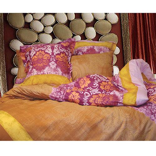 Комплект белья Диана (1,5 спальный КПБ, сатин, наволочка 70х70)Т-0734-02_1,5-спальныйКомплект постельного белья Диана, изготовленный из сатина, поможет вам расслабиться и подарит спокойный сон. Постельное белье имеет изысканный внешний вид и обладает яркостью и сочностью цвета. Комплект состоит из пододеяльника, простыни и двух наволочек. Все предметы комплекта цельнокроеные. Благодаря такому комплекту постельного белья вы сможете создать атмосферу уюта и комфорта в вашей спальне. Сатин производится из высших сортов хлопка, а своим блеском, легкостью и на ощупь напоминает шелк. Такая ткань рассчитана на 200 стирок и более. Постельное белье из сатина превращает жаркие летние ночи в прохладные и освежающие, а холодные зимние - в теплые и согревающие. Благодаря натуральному хлопку, комплект постельного белья из сатина приобретает способность пропускать воздух, давая возможность телу дышать. Одно из преимуществ материала в том, что он практически не мнется и ваша спальня всегда будет аккуратной и нарядной. Страна: Россия. Материал: сатин...