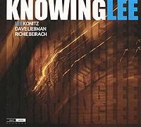 Издание содержит 12-страничный буклет с дополнительной информацией на английском и французском языках.