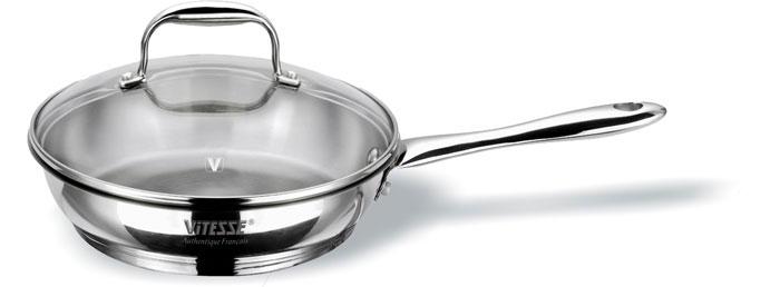 Сковорода Vitesse. Диаметр 22 см. VS-1439VS-1439Сковорода Vitesse изготовлена из высококачественной нержавеющей стали и обладает термоаккумулирующим дном с алюминиевой прослойкой, есть шкала литража на внутреней стенке. Ручка сковороды выполнена из нержавеющей стали и прикреплена заклепками. Сковорода равномерно нагревается и доводит блюдо до готовности. Изделие можно мыть в посудомоечной машине. Характеристики: Материал: нержавеющая сталь. Диаметр: 22 см. Глубина: 6 см. Объем: 1,9 л. Изготовитель: Китай. Артикул: VS-1439. Кухонная посуда марки Vitesse предоставит вам все необходимое для получения удовольствия от приготовления пищи и принесет радость от его результатов. Посуда Vitesse обладает выдающимися функциональными свойствами. Легкие в уходе кастрюли и сковородки имеют плотно закрывающиеся крышки, которые дают возможность готовить с малым количеством воды и экономией энергии, и идеально подходят для всех видов плит:...