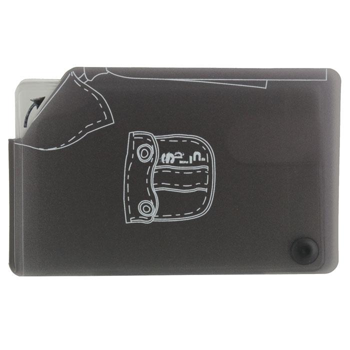 Кредитница Рубашка0605026Стильная кредитница Рубашка рассчитана на 10 карточек. Файлы из мягкого прозрачного пластика бережно сохранят ваши визитки и кредитные карты в одном месте. Нужная кредитка легко извлекается из обложки, благодаря специальному уголку. Обложка оформлена изображением фрагмента рубашки. Характеристики: Размер кредитницы: 11,5 см х 7,3 см х 1 см. Материал: ПВХ, пластик. Изготовитель: Китай. Артикул: SD-7109.