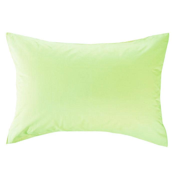Наволочка Style, цвет: зеленый, 52 х 74 см113911110Наволочка Style изготовлена из натурального хлопка Prima и безопасна даже для самых маленьких членов семьи. Она обладает высокой плотностью, необычайной мягкостью и шелковистостью. Наволочка из такого хлопка выдержит большое количество стирок и не потеряет цвет. Выбрав наволочку нужной вам расцветки, вы можете легко комбинировать ее с различным постельным бельем.