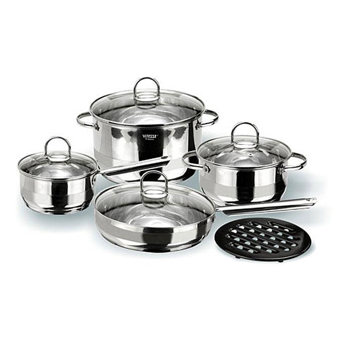 Набор посуды Vitesse Azura, 9 предметов. VS-1005VS-1005Набор посуды Vitesse Azura прекрасно подойдет для вашей кухни. Он состоит из двух кастрюль с крышками вместительностью 2,1 л и 5,1 л, сотейника с крышкой, сковороды с крышкой и подставки под горячее. Предметы набора изготовлены из высококачественной нержавеющей стали 18/10 с матовой полировкой с элементами зеркальной. Они оснащены капсулированным дном с прослойкой алюминия, которое обеспечивает наилучшее распределение тепла по поверхности посуды. Кастрюли и сотейник имеют на внутренней стенке шкалу литража. Ручки из нержавеющей стали надежно крепятся к корпусу емкостей. Крышки выполнены из термостойкого стекла и позволяют следить за процессом приготовления пищи. Они оснащены отверстием для выхода пара и металлическим ободом по краю, который позволит предотвратить сколы стекла. Подставка под горячее изготовлена из бакелита черного цвета. Посуду можно использовать на всех типах плит, кроме индукционных. Также изделия можно мыть в посудомоечной машине. Характеристики: ...