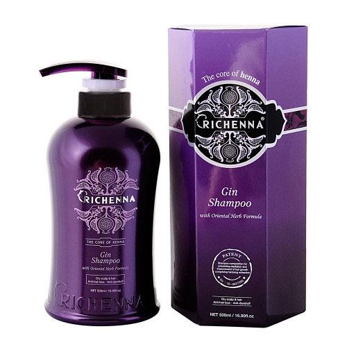 Шампунь для волос Richenna. Gin, с хной и можжевельником, 500 мл10401Шампунь Richenna. Gin с хной, можжевельником и комплексом восточных трав рекомендуется для длинных, сухих и поврежденных волос и сухой кожи головы, профилактики перхоти и выпадения волос, для оздоровления волос и кожи головы. Мягко очищает волосы и кожу головы, эффективно снижает выпадение волос и предупреждает появление перхоти, регулирует работу сальных желез. Предотвращает ломкость волос. Придает объем тонким волосам и сохраняет цвет окрашенных волос. Продукт обладает высокой вязкостью. Рекомендуется для ежедневного применения. Характеристики: Объем: 500 мл. Артикул: 10401. Производитель: Корея. Товар сертифицирован.