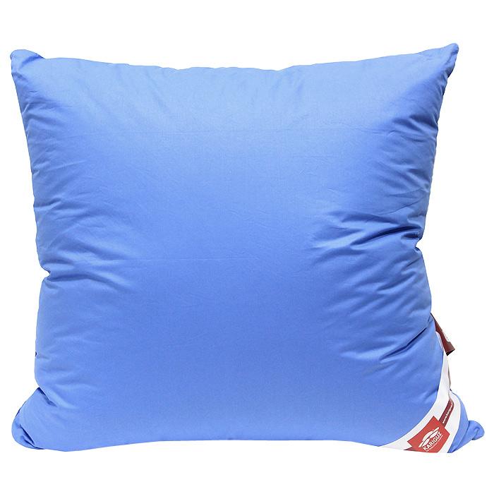 Подушка Colour Therapy, 68 см х 68 см, в ассортиментеЦТ10-5Подушка Colour Therapy основана на лечебном воздействии цвета. Научно доказано, что смена цветовой гаммы в спальне способствует здоровому сну. Голубой цвет данной подушки - васильковое поле блаженства! Она подарит вам физическое равновесие, созерцательность и ощущение благостного покоя в минуты отдыха и сна. Мягкий, слегка приглушенный цветовой спектр помогает расслабиться телу, настраивает организм на полноценный отдых.