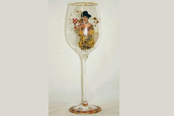 Бокал для вина Goebel Адель, 460 млGO67002121ALБокал для вина Goebel Адель из коллекционной серии Мастера выполнен из высококачественного стекла и декорирован изображением копии картины известного художника Густава Климта. Изящный бокал для вина Goebel Адель - великолепный подарок коллекционеру и неповторимое украшение интерьера! Изделие нельзя мыть в посудомоечной машине.