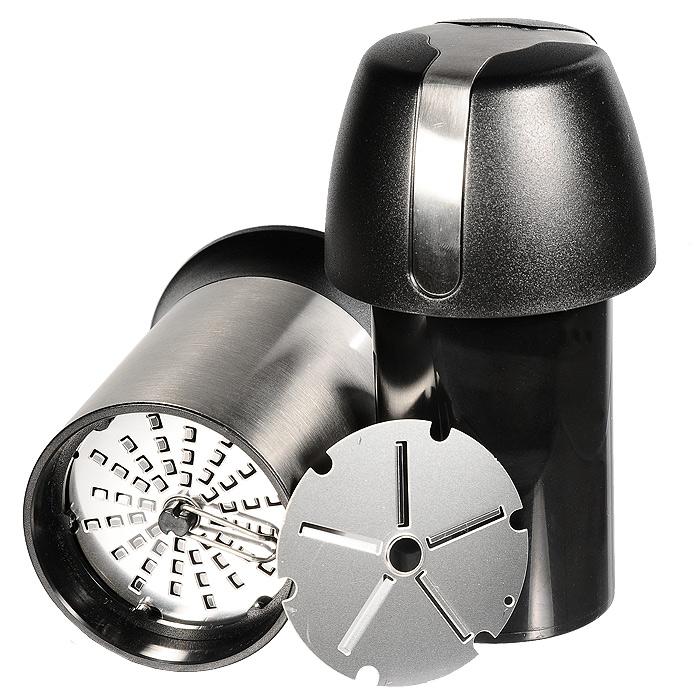 Универсальная терка для сыра Gefu Пармиджиано34680Универсальная терка с двумя сменными дисками позволяет приготовить стружку или крошку из твердого сыра, шоколада или орехов. Стружка или крошка могут храниться непосредственно крышке, входящей в комплект. Терка являет собой стильный, красивый и оригинальный кухонный аксессуар, чрезвычайно удобный в использовании. Лазерная заточка дисков гарантирует использование в течение длительного времени без потери качества. Сменный диск убирается хранится под съемным колпачком крышки. Можно мыть в посудомоечной машине. Характеристики: Материал: нержавеющая сталь, пластик. Высота: 15,5 см. Диаметр основания терки: 7 см. Размер упаковки: 12,5 см х 17,5 см х 8,5 см. Производитель: Германия. Артикул: 34680.
