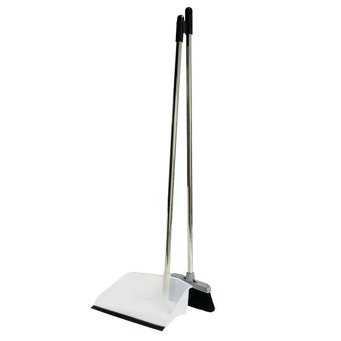 Набор для уборки Regina: совок и щетка. 1170511705-AСделайте уборку в квартире веселее. Набор Regina поможет вам в этом. Эластичный ворс на щетке не оставит от грязи и следа, а благодаря резиновому краю на совке грязь и мусор будут легко сметаться на него. Ваша однообразная уборка станет праздником. Для дополнительного удобства совок и щетка снабжены специальным креплением, с помощью которого, вложив щетку в совок, их можно разместить в любом месте. Характеристики: Материал: сталь, пластмасса. Размер совка: 24 см х 17 см х 7 см. Размер щетки: 18 см х 3,5 см. Длина ворса: 5,5 см. Длина ручки совка и щетки: 80 см. Производитель: Италия. Артикул: 11705-A.