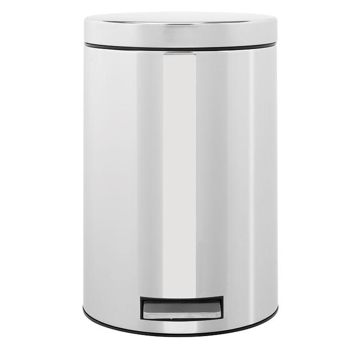 Бак мусорный Brabantia Классический, с педалью, цвет: стальной, 12 л124907Педальный бак Brabantia на 12 литров поистине универсален и идеально подходит для использования на кухне или в гостиной. Достаточно большой для того, чтобы вместить весь мусор, при этом достаточно компактный для того, чтобы аккуратно разместиться под рабочим столом. Предотвращает распространение запахов - прочная не пропускающая запахи металлическая крышка; Плавное и бесшумное открывание/закрывание крышки; Удобный в использовании - при открывании вручную крышка фиксируется в открытом положении, закрывается нажатием педали; Надежный педальный механизм, высококачественные коррозионно-стойкие материалы; Удобная очистка - прочное съемное внутреннее пластиковое ведро; Предохранение пола от повреждений - пластиковое защитное основание; Всегда опрятный вид - идеально подходящие по размеру мешки для мусора с завязками (размер C); 10-летняя гарантия Brabantia.