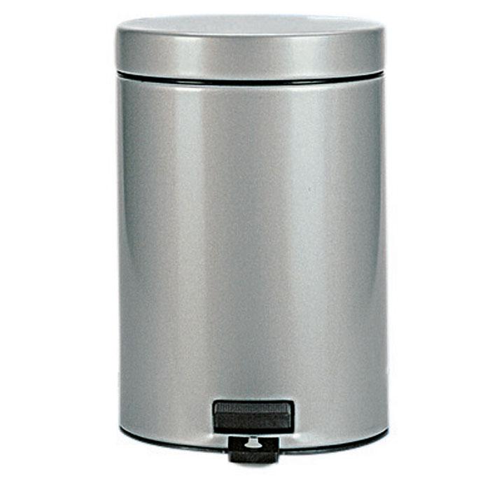 Бак мусорный Brabantia Классический, с педалью, цвет: металлик, 3 л247620Идеальное решение для ванной комнаты и туалета! Предотвращает распространение запахов - прочная не пропускающая запахи металлическая крышка; Плавное и бесшумное открывание/закрывание крышки; Удобная очистка – прочное съемное внутреннее ведро из пластика; Надежный педальный механизм, высококачественные коррозионно-стойкие материалы; Бак удобно перемещать - прочная ручка для переноски; Отличная устойчивость даже на мокром и скользком полу – противоскользящее основание; Предохранение пола от повреждений - пластиковый защитный обод; Всегда опрятный вид - идеально подходящие по размеру мешки для мусора с завязками (размер B); 10-летняя гарантия Brabantia. Цвет: серый металлик.