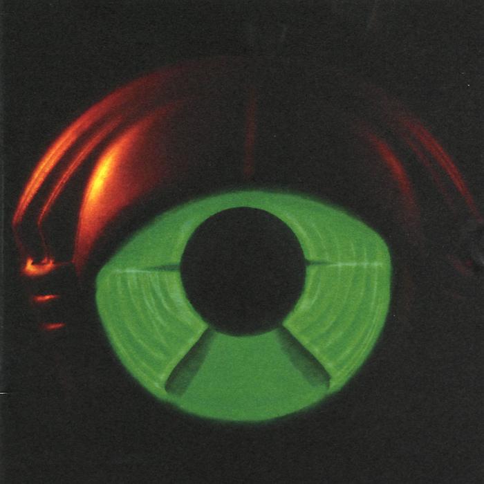 Диск упакован в картонный конверт и вложен в Digi Pack. Издание содержит раскладку с фотографиями и дополнительной информацией на английском языке.